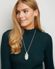 kendra-scott-inez-necklace-gold-sage-mica-03-lg